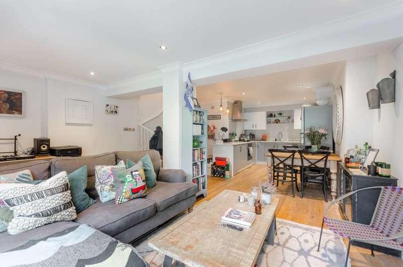 2 Bedrooms Flat for sale in Aldridge Road Villas, Notting Hill, W11