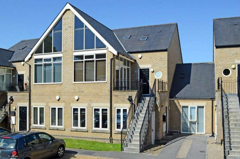 3 Bedrooms Apartment Flat for sale in The Mews, Fulford Chase