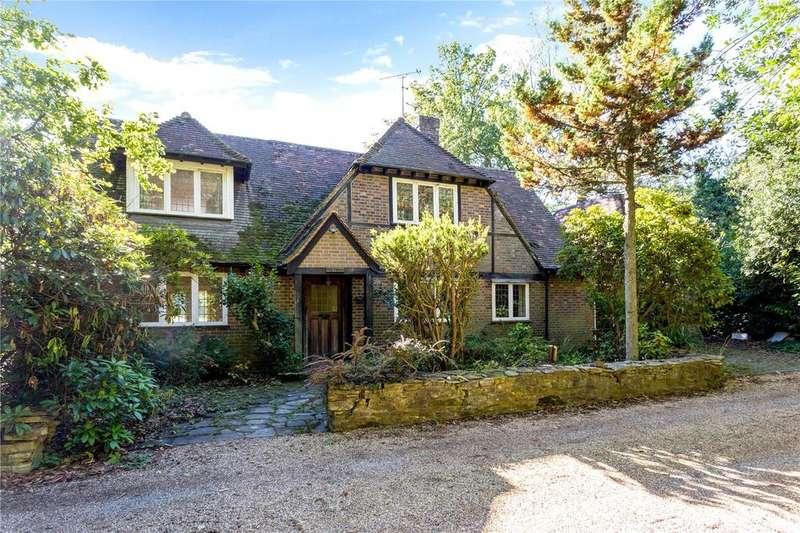 4 Bedrooms Detached House for sale in Wellingrove, Woodcock Hill, Rickmansworth, Hertfordshire, WD3
