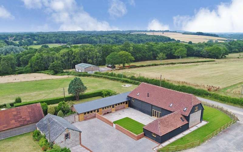 4 Bedrooms Barn Conversion Character Property for sale in Soberton, Hampshire