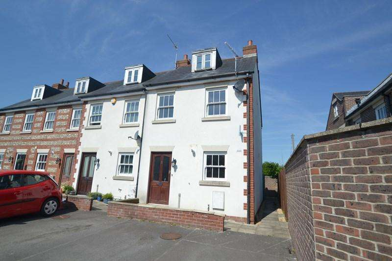 3 Bedrooms End Of Terrace House for sale in Bryanston Street, Blandford Forum