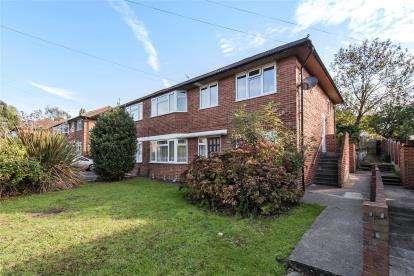 2 Bedrooms Maisonette Flat for sale in Elmstead Lane, Chislehurst