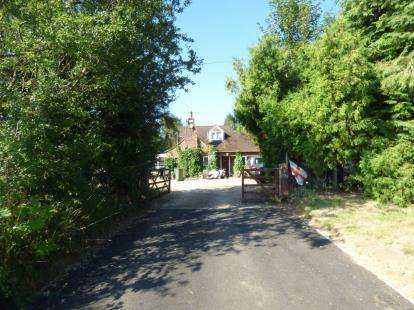 2 Bedrooms Bungalow for sale in Watling Street, Potterspury, Towcester, Northamptonshire