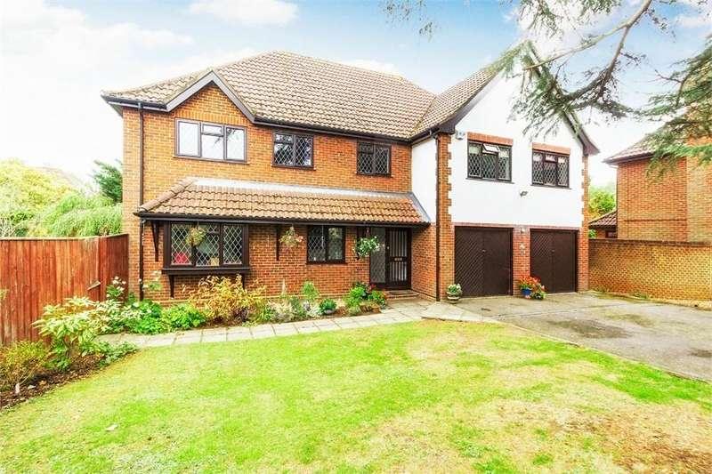 6 Bedrooms Detached House for sale in Long Drive, Burnham, Buckinghamshire
