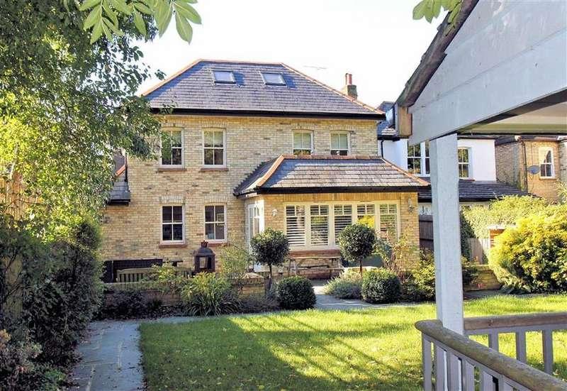 5 Bedrooms Detached House for sale in Pondcroft Road, Knebworth, SG3 6DE