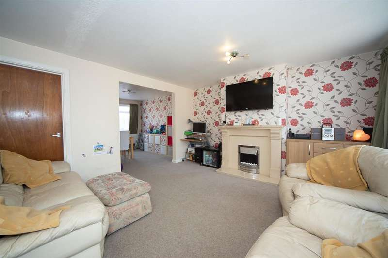 3 Bedrooms Semi Detached House for sale in Sudbury Road, Luton