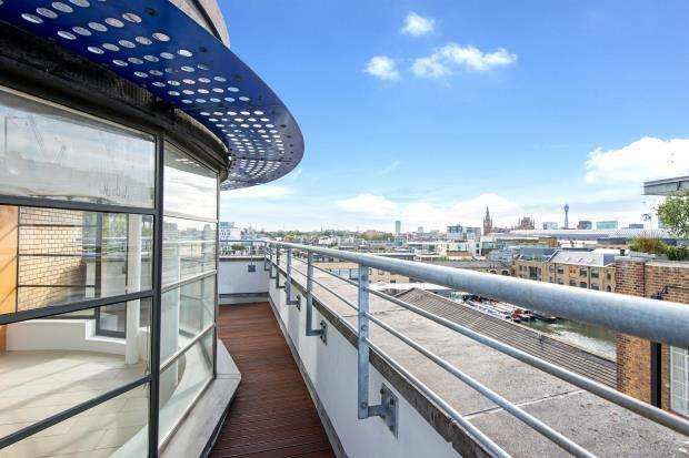 2 Bedrooms Flat for sale in Ice Wharf, New Wharf Road, Kings Cross, London, N1