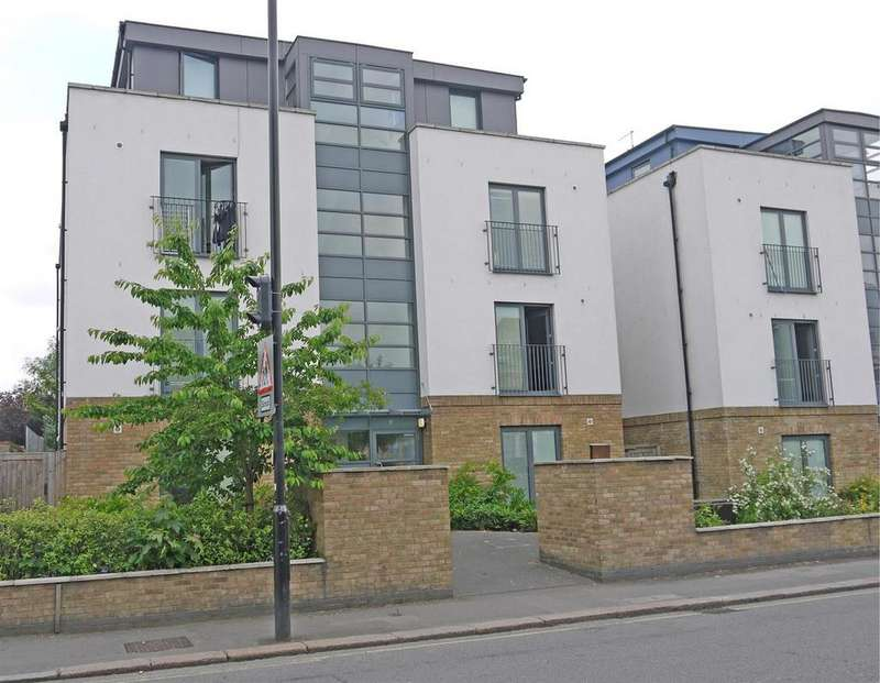 2 Bedrooms Block Of Apartments Flat for sale in Gunnersbury Lane, Acton, London