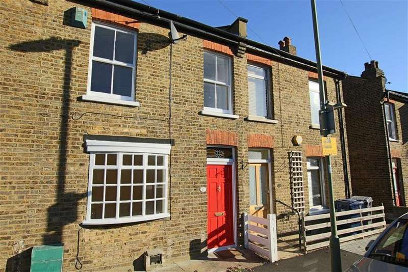 2 Bedrooms Terraced House for sale in Green Road, Whetstone, London