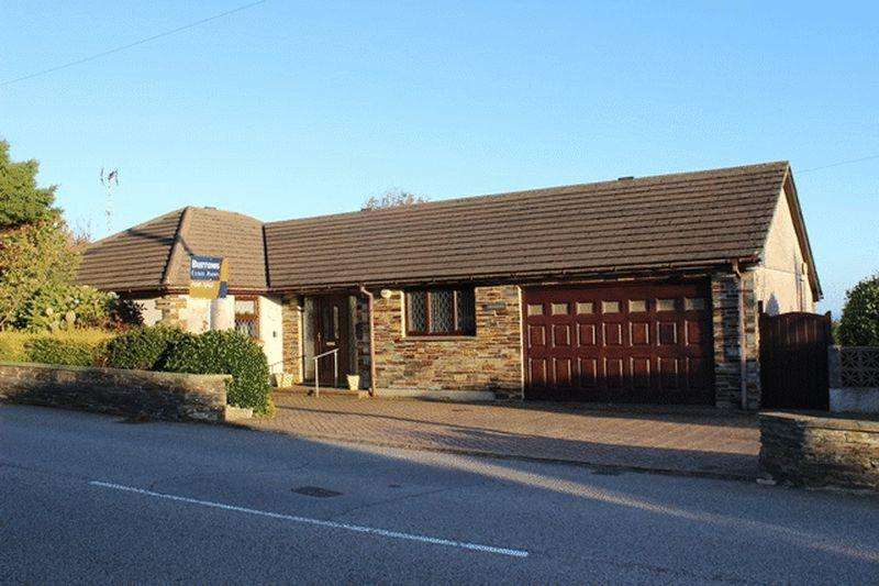 4 Bedrooms Bungalow for sale in Carclaze Road, St. Austell