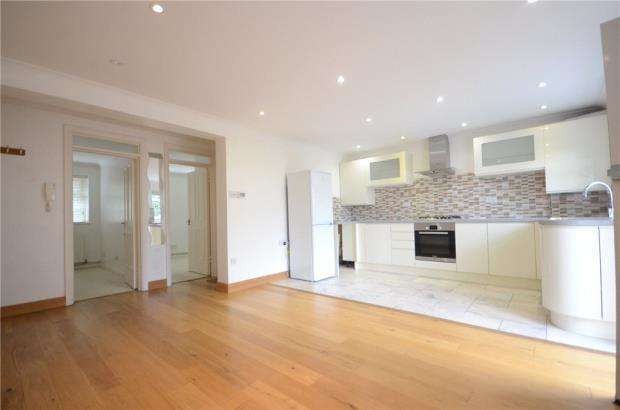 2 Bedrooms Apartment Flat for sale in Queensgate House, 16 Cookham Road, Maidenhead