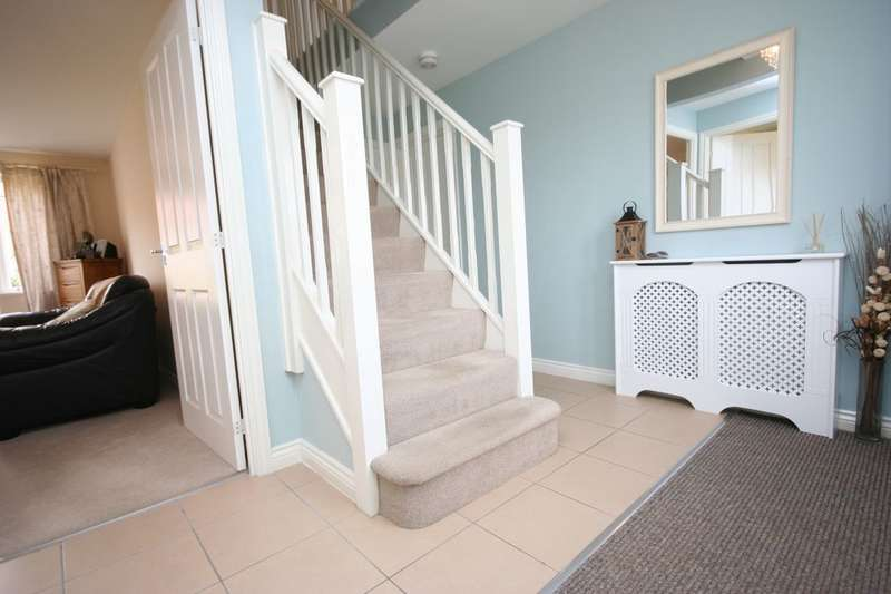 4 Bedrooms Detached House for sale in Gilkes Walk, Middlesbrough, TS4