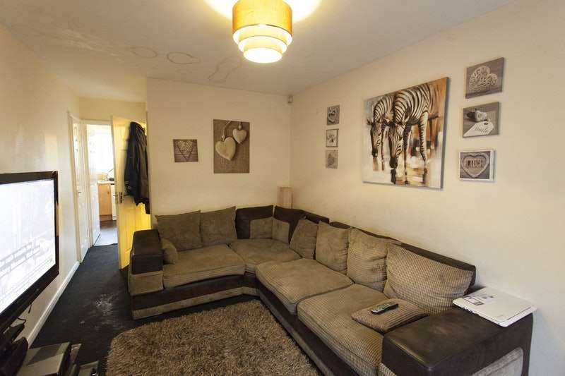 3 Bedrooms Semi Detached House for sale in Leegrange Road, Manchester, Greater Manchester, M9