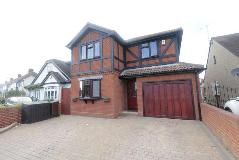 4 Bedrooms Detached House for sale in Common Approach, Thundersley SS7