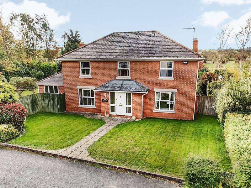 4 Bedrooms Detached House for sale in FOWNHOPE