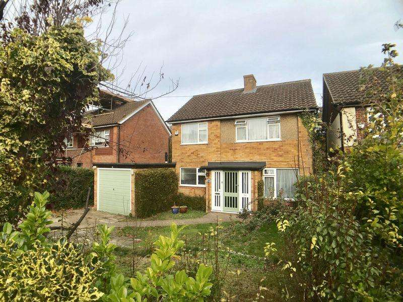 3 Bedrooms Detached House for sale in Shelley Road, High Wycombe