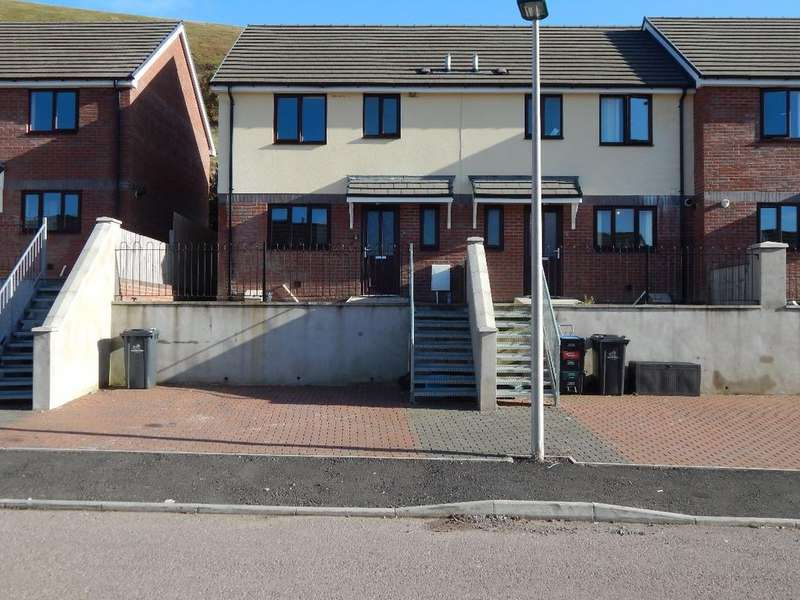 3 Bedrooms End Of Terrace House for sale in Oak Road, Tanglewood, Blaina. NP13 3JX