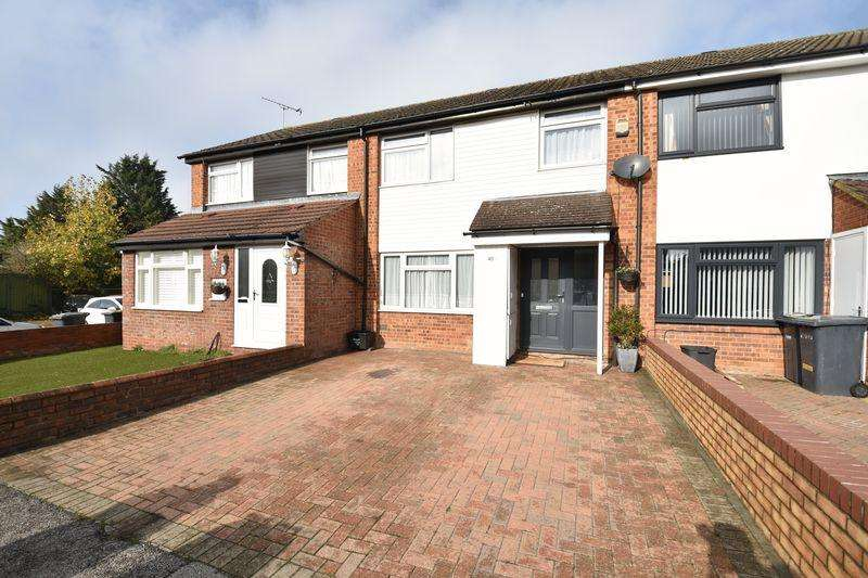 3 Bedrooms Terraced House for sale in Alfriston Close, Luton