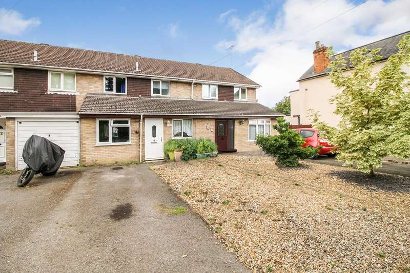 4 Bedrooms Terraced House for sale in Sherborne Road, Hampshire, GU14