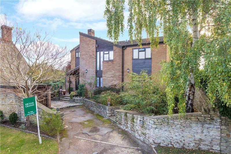 4 Bedrooms Detached House for sale in Church Road, Stevington, Bedfordshire