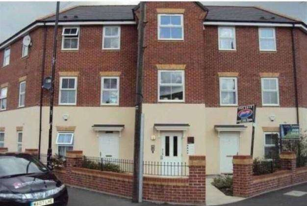 2 Bedrooms Apartment Flat for sale in 1 Humber Street, Cheetham Hill, Manchester, Lancashire, M8