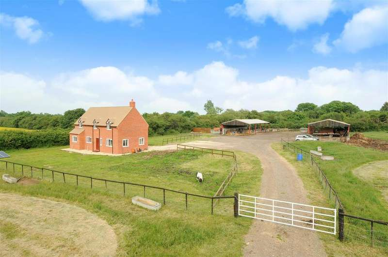 3 Bedrooms Detached House for sale in Piddington, Bicester