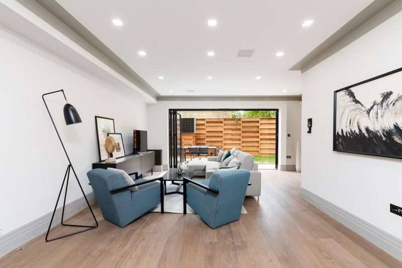 4 Bedrooms House for sale in St.Paul's Crescent, Camden, NW1