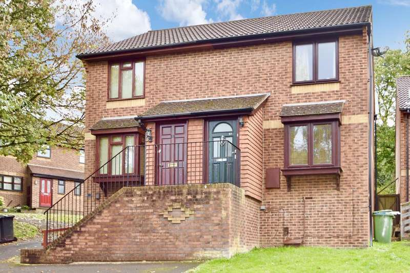 2 Bedrooms Semi Detached House for sale in Kinsbourne Rise, Southampton