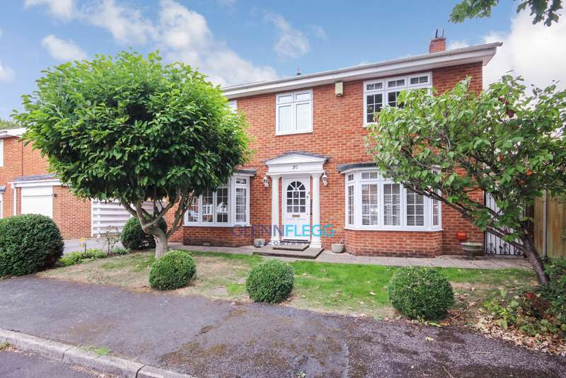 4 Bedrooms Detached House for sale in Old Windsor, Windsor