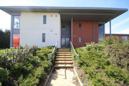 2 Bedrooms Flat for sale in Severn Point, Wyck Beck Road, Bristol