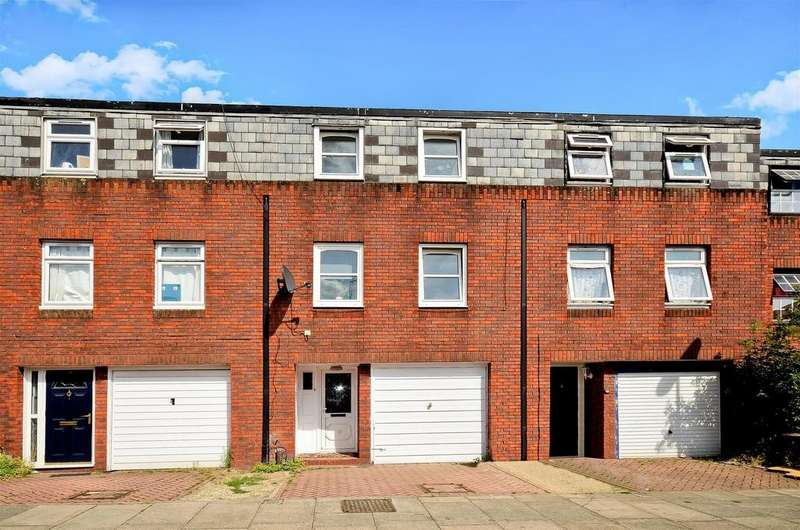 3 Bedrooms Terraced House for sale in Colebrook way,,Arnos Grove New Southgate