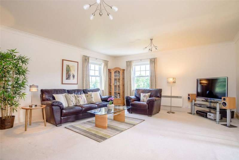 3 Bedrooms Apartment Flat for sale in Donnington Elms, Oxford Road, Donnington, Newbury, RG14