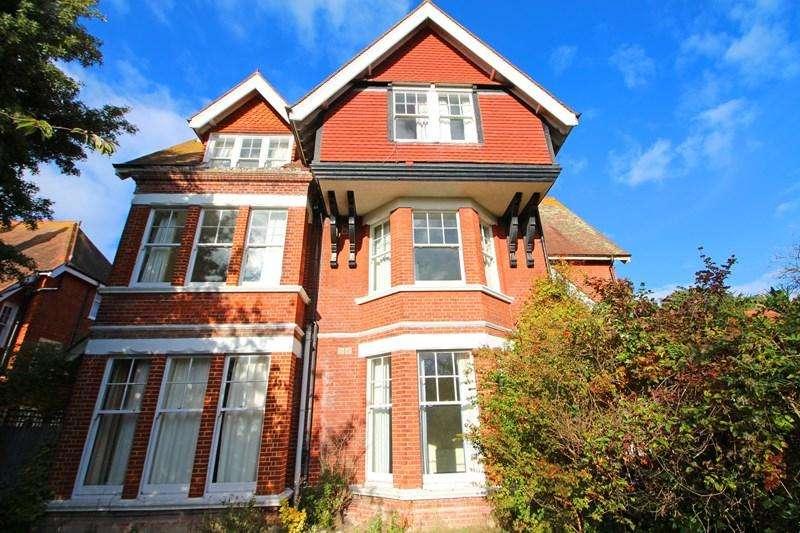 2 Bedrooms Detached House for sale in Denton Road, Eastbourne