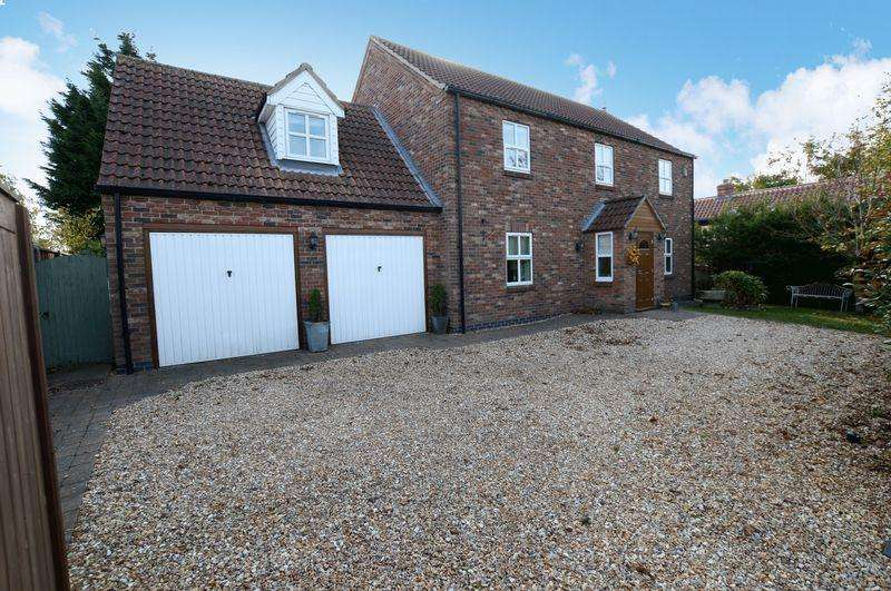 4 Bedrooms Detached House for sale in 39 Moor Lane, Martin