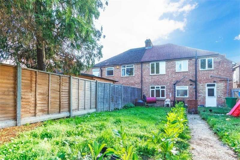 2 Bedrooms Maisonette Flat for sale in Northcroft, Slough, Berkshire