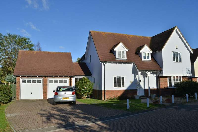 4 Bedrooms Detached House for sale in Chandlers, Burnham-on-Crouch