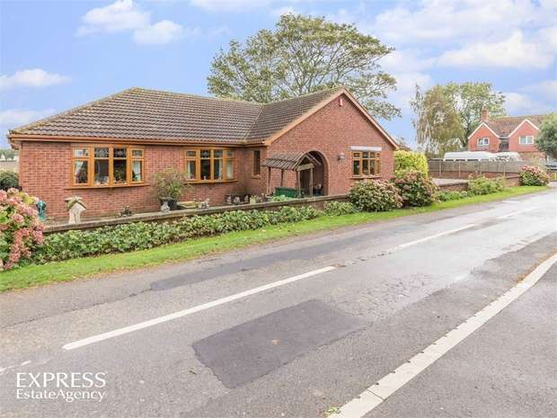 3 Bedrooms Detached Bungalow for sale in West Drove South, Gedney Hill, Spalding, Lincolnshire