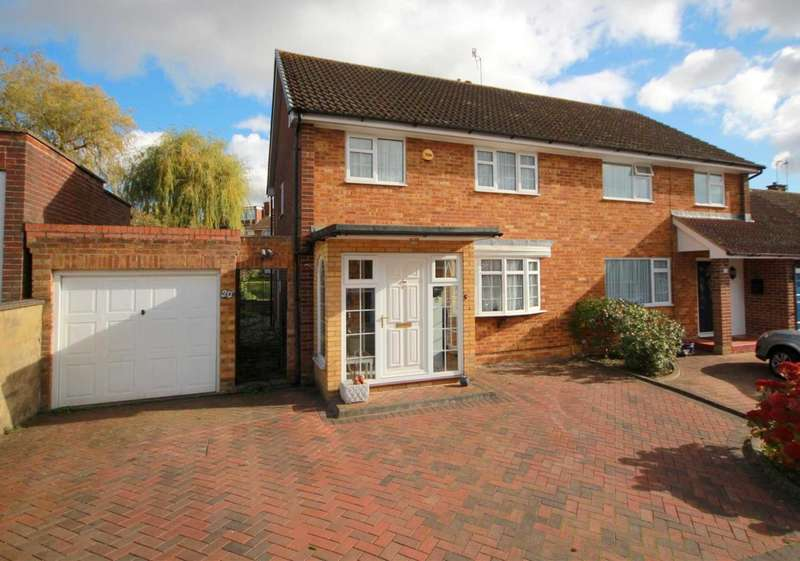 3 Bedrooms Semi Detached House for sale in 3 BED SEMI WITH POTENTIAL TO EXTEND STP IN Ridge Lea, Boxmoor
