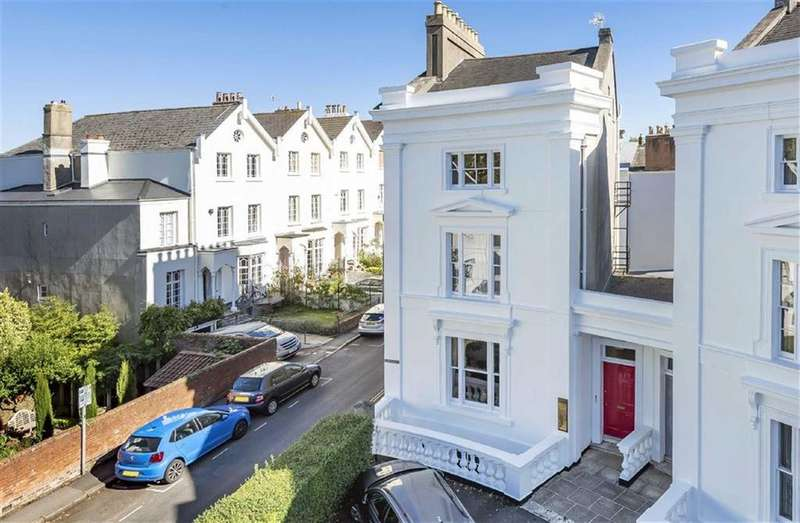 5 Bedrooms Detached House for sale in The Quadrant, St Leonards, Exeter, Devon, EX2