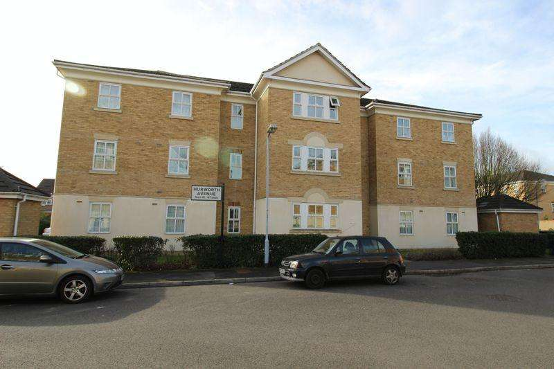 2 Bedrooms Flat for sale in Hurworth Avenue, Slough, SL3