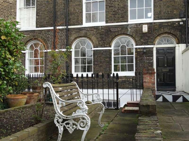 5 Bedrooms Unique Property for sale in Kennington Road, London, SE11