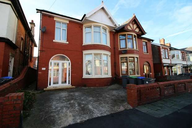 1 Bedroom Bungalow for sale in Princeway, Blackpool, Lancashire, FY4 2DQ