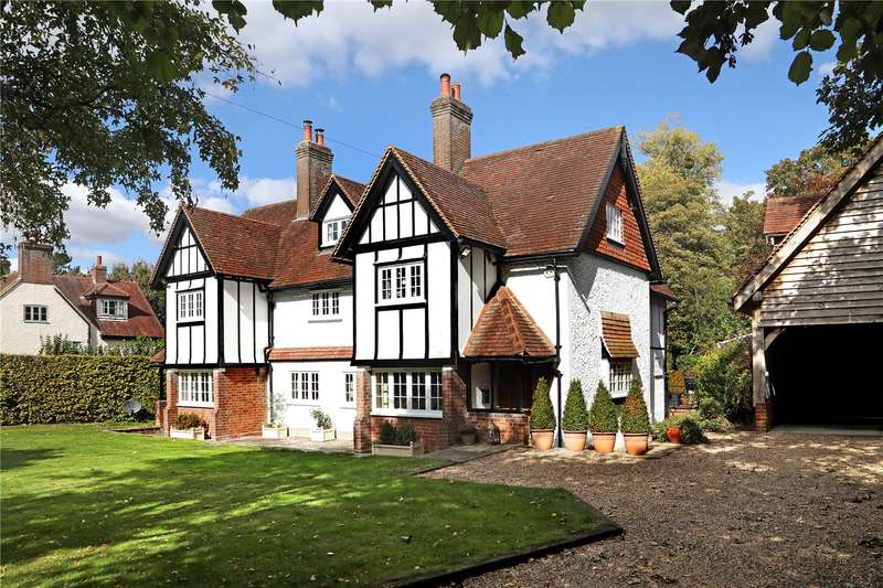 6 Bedrooms Detached House for sale in Halton Village, Buckinghamshire, HP22