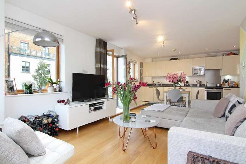 2 Bedrooms Flat for sale in Holford Way, London
