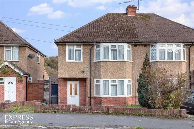 3 Bedrooms Semi Detached House for sale in Melbourne Road, High Wycombe, Buckinghamshire