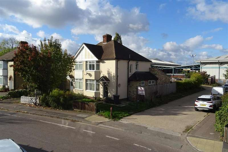 3 Bedrooms Semi Detached House for sale in Cromwell Road, Cambridge
