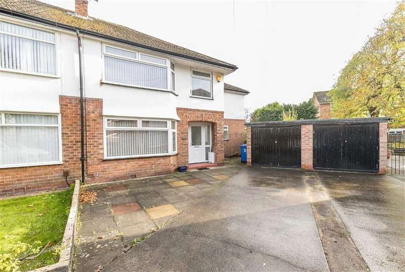 4 Bedrooms Semi Detached House for sale in Winston Close, Sale