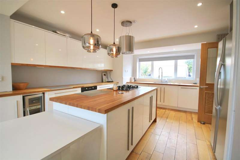 4 Bedrooms Semi Detached House for sale in Harbour Way, Portsmouth