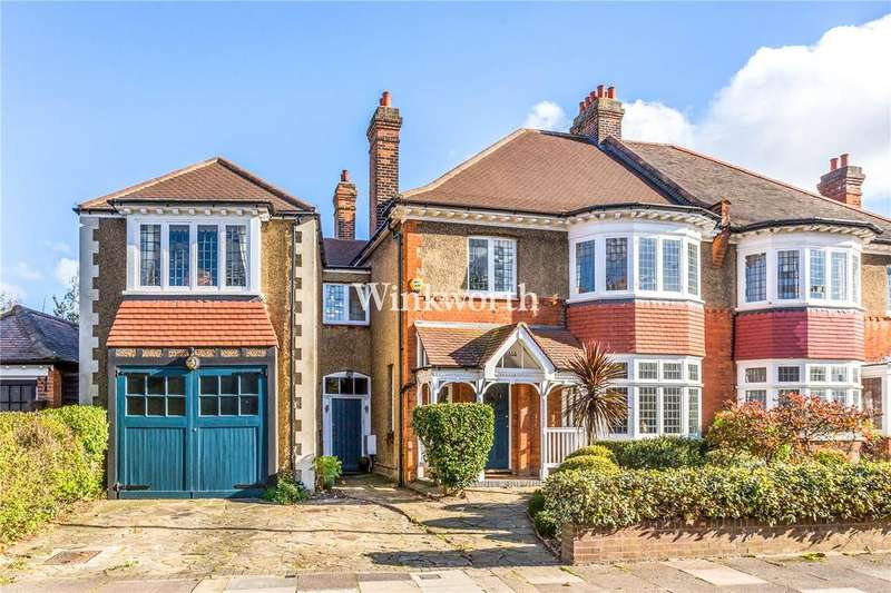 5 Bedrooms Semi Detached House for sale in Fox Lane, London, N13
