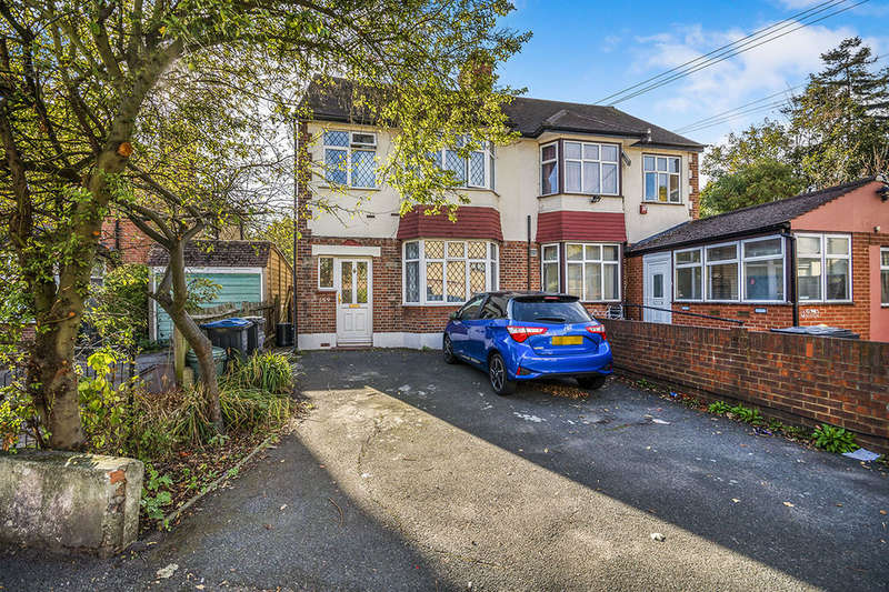 3 Bedrooms Semi Detached House for sale in Wandle Road, Morden, SM4
